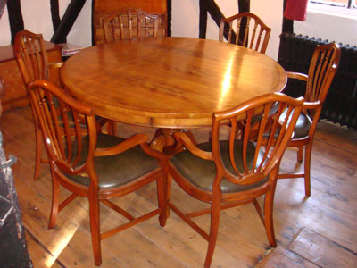 Dining Set In Yew Wood